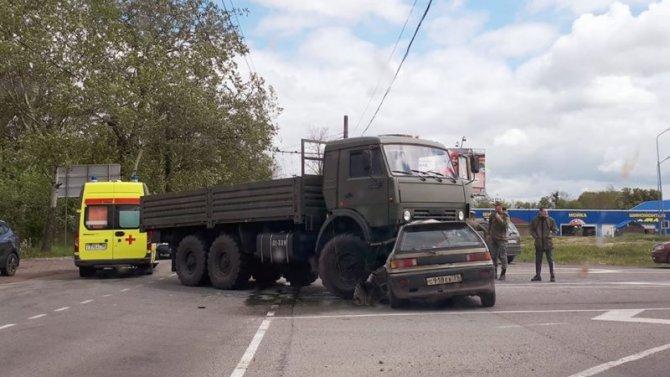 В ДТП с грузовиком в Калининграде погиб водитель легковушки