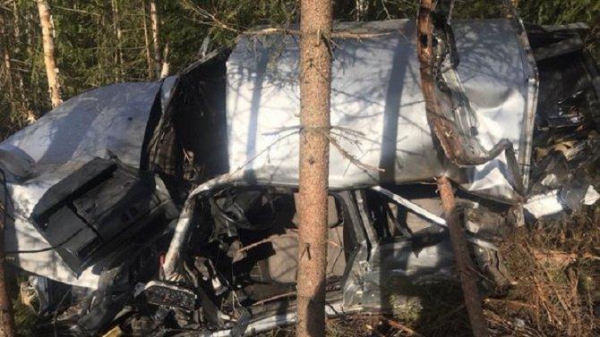 Два молодых человека погибли в ДТП в Кировской области