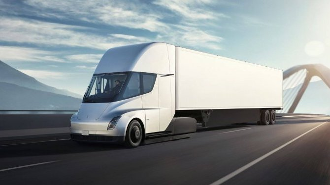 Отложен старт производства электрогрузовика Tesla Semi