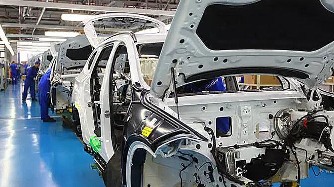 В «Автоторе» уверены, что вовторой половине года производство автомобилей упадёт в2 раза