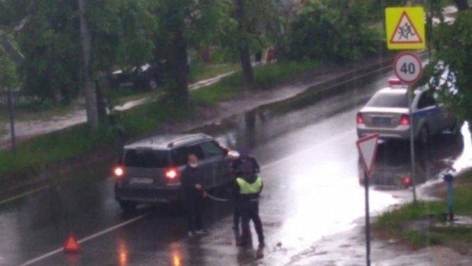 В Брянске автомобиль сбил ребенка