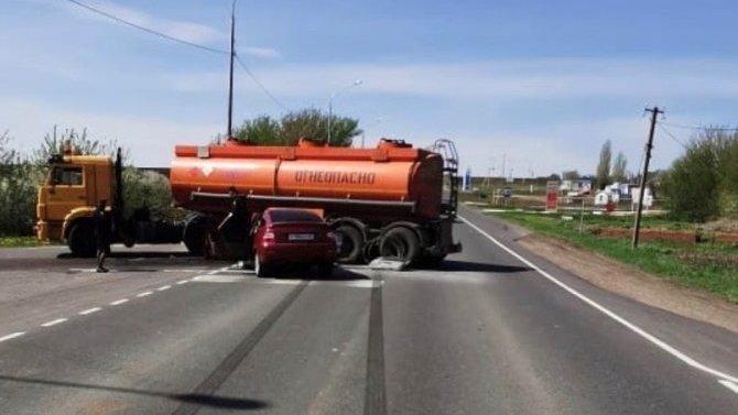 Водитель «Приоры» погиб в ДТП в Балашовском районе Саратовской области