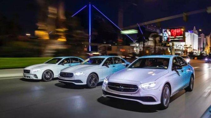 Автомобили Mercedes-Benz получат сенсорные «баранки»