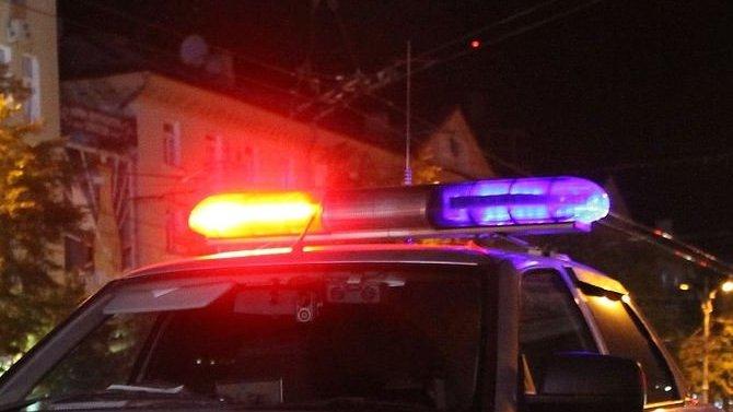 Под Петергофом водитель сбил двух пешеходов и скрылся