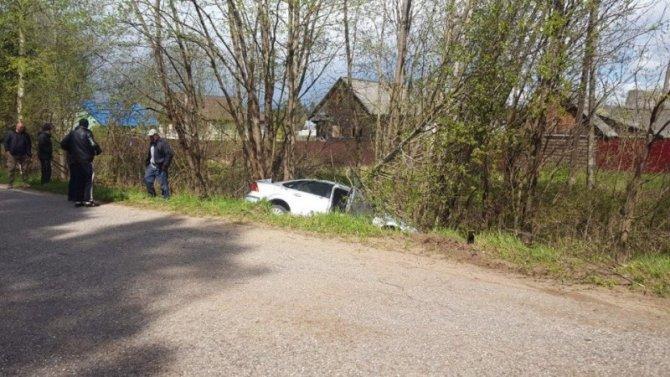 В Тверской области иномарка вылетела в кювет – погибли двое