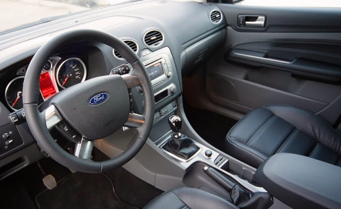 Ford Focus салон