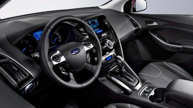 Ford Focus III салон