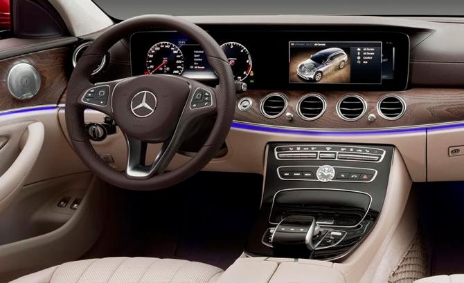 Mercedes E-class All Terrain салон