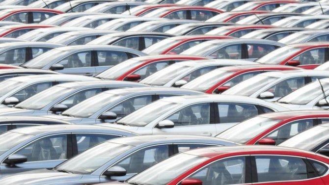 Эксперт рассказал, как во время кризиса выбирать между покупкой новой машины или автомобиля с пробегом
