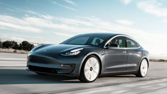 Почему стоит купить Tesla 3