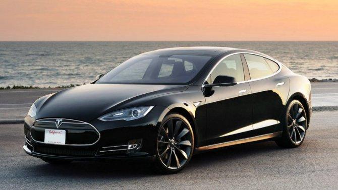 Электромобиль Tesla показал рекордный пробег