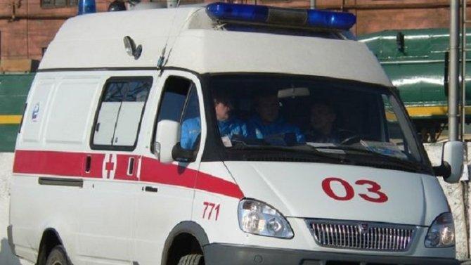В Колпинском районе автомобиль сбил группу пешеходов