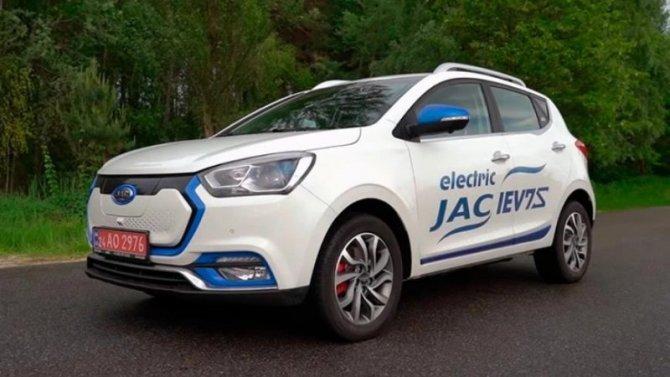Электромобиль JAC iEV7S прошел сертификацию России