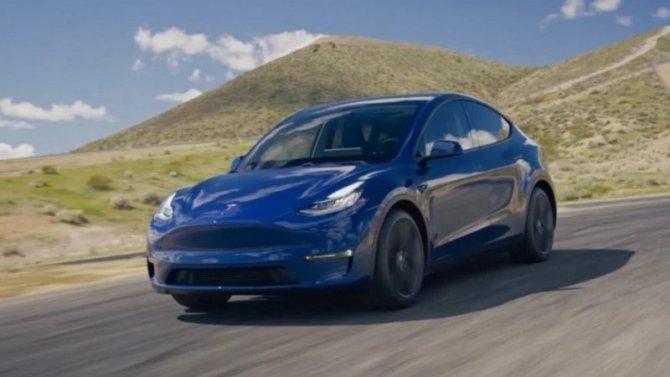 Tesla Model Y: количество важнее качества?