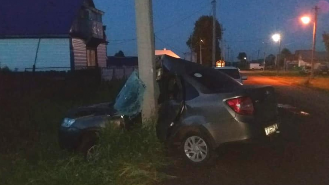 В Башкирии «Лада» врезалась в столб – водитель погиб