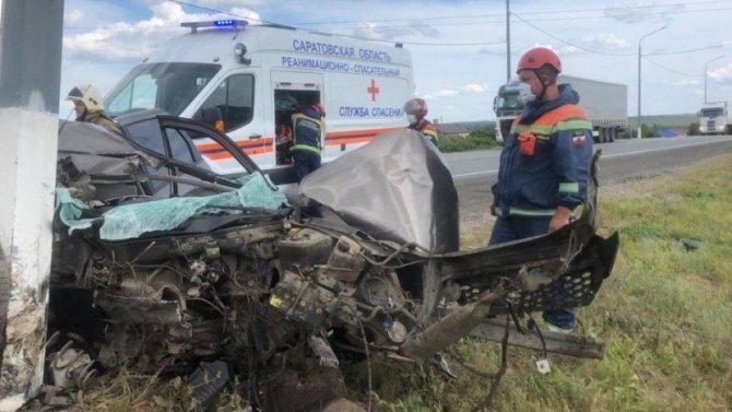 Пассажирка такси погибла в ДТП под Саратовом