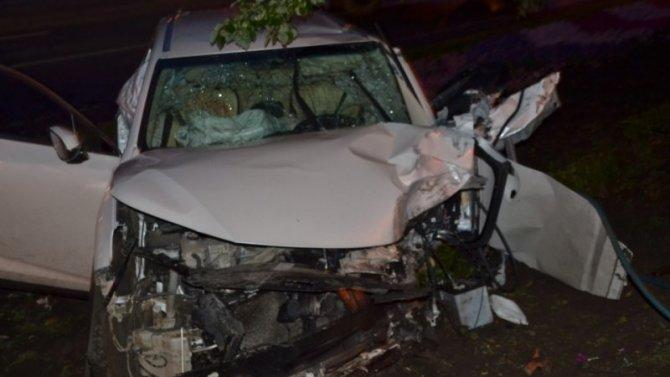 Женщина за рулем «Лексуса» погибла в ДТП в Уфе