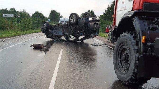 Пассажир автомобиля погиб в ДТП в Тверской области