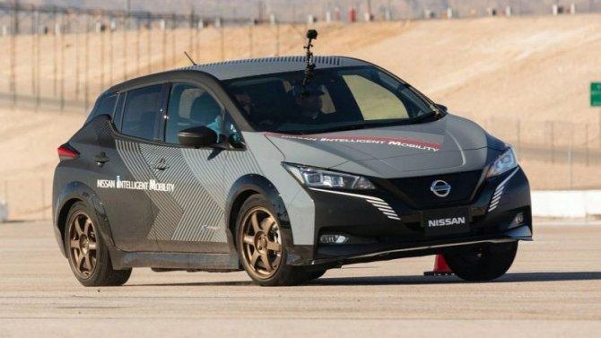 Фирма Nissan показала систему полного привода для электромобилей