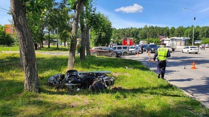 В Екатеринбурге насмерть сбили мотоциклиста
