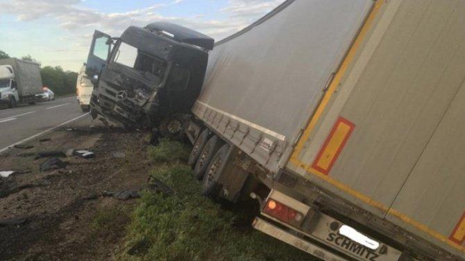 Водитель погиб в ДТП с грузовиком в Волгоградской области