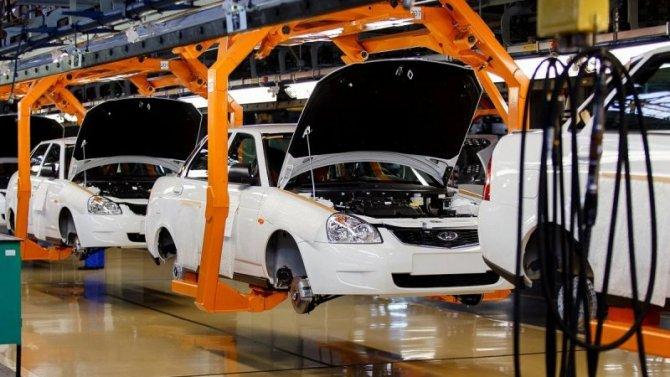 «АвтоВАЗ» отменил индексацию зарплат