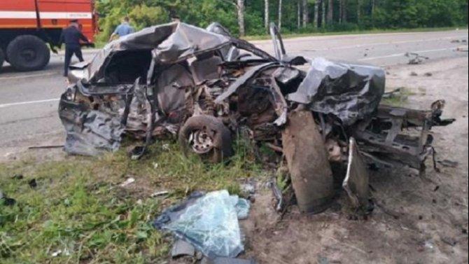 Мужчина и девушка погибли в ДТП в Чувашии