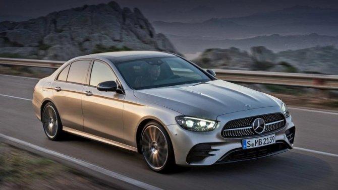 Падение рубля: подорожал седан Mercedes-Benz E-Кlassе