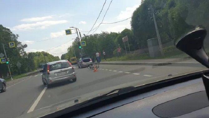 В Павловске автомобиль сбил велосипедиста