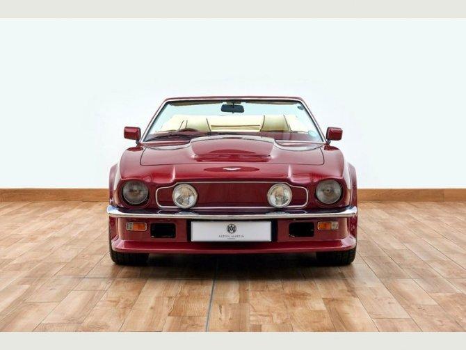 Кабриолет Aston Martin AMV8 Volant 1988 года выпуска, который принадлежал Дэвиду Бэкхэму 3