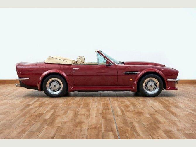 Кабриолет Aston Martin AMV8 Volant 1988 года выпуска, который принадлежал Дэвиду Бэкхэму 5
