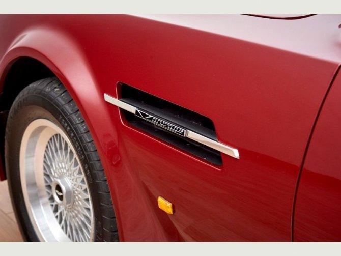 Кабриолет Aston Martin AMV8 Volant 1988 года выпуска, который принадлежал Дэвиду Бэкхэму 11