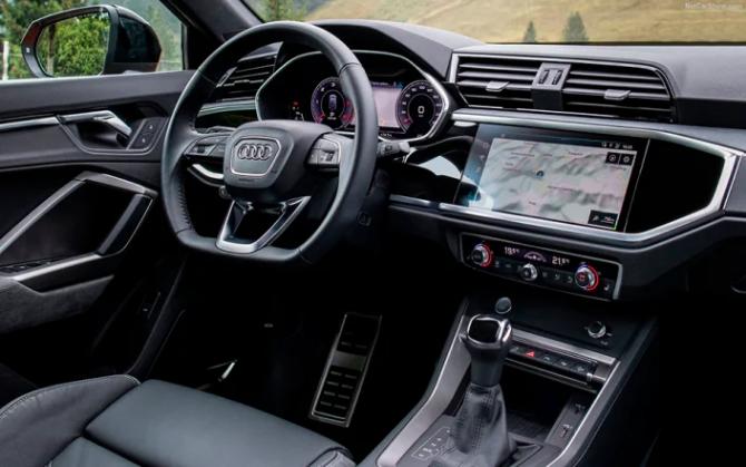 Audi Q3 Sportback салон