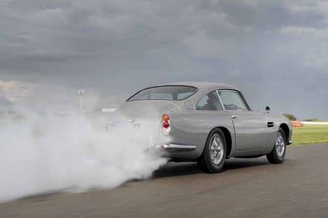 Aston Martin DB5 Goldfinger - автомобиль Джеймса Бонда 5