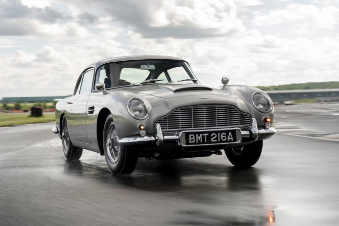 Aston Martin DB5 Goldfinger - автомобиль Джеймса Бонда 6