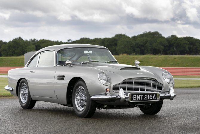 Aston Martin DB5 Goldfinger - автомобиль Джеймса Бонда 4