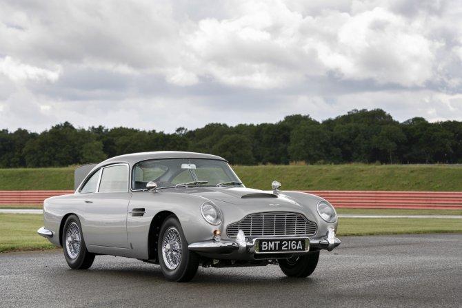 Aston Martin DB5 Goldfinger - автомобиль Джеймса Бонда 9
