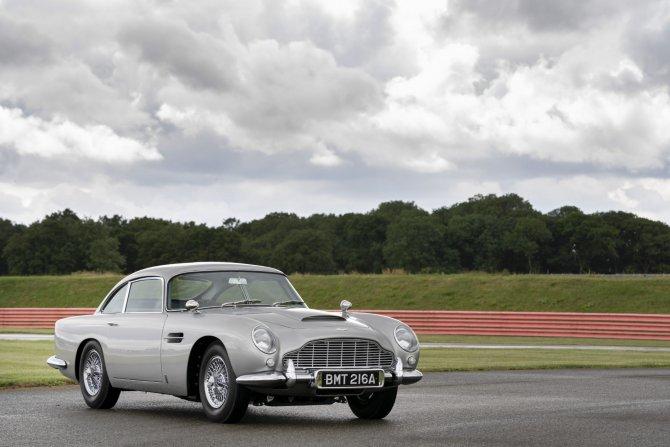 Aston Martin DB5 Goldfinger - автомобиль Джеймса Бонда 13