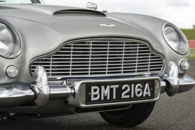 Aston Martin DB5 Goldfinger - автомобиль Джеймса Бонда 14