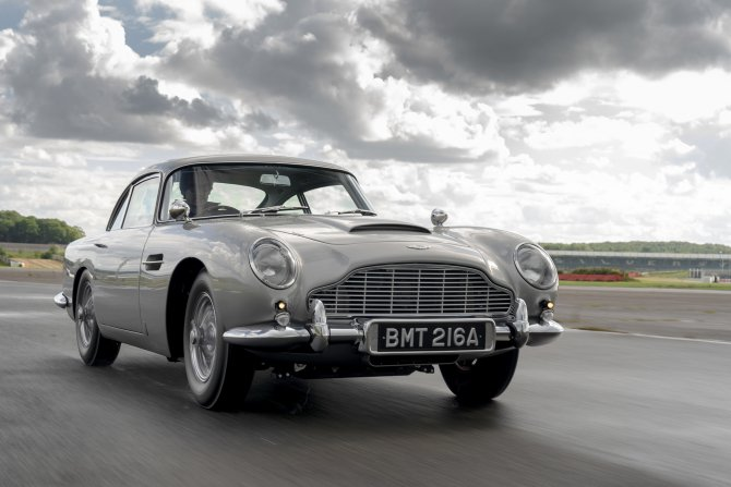 Aston Martin DB5 Goldfinger - автомобиль Джеймса Бонда 16
