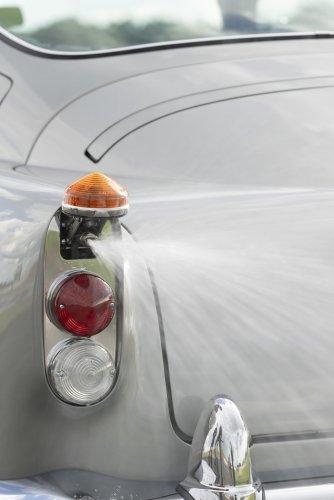 Aston Martin DB5 Goldfinger - автомобиль Джеймса Бонда 18