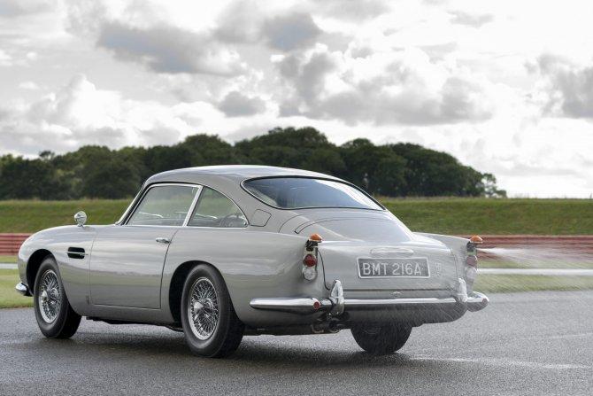 Aston Martin DB5 Goldfinger - автомобиль Джеймса Бонда 19