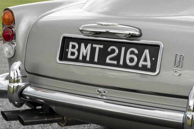Aston Martin DB5 Goldfinger - автомобиль Джеймса Бонда 20