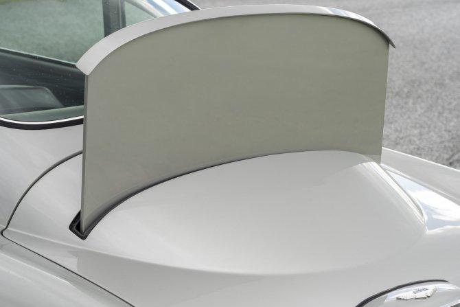 Aston Martin DB5 Goldfinger - автомобиль Джеймса Бонда 23