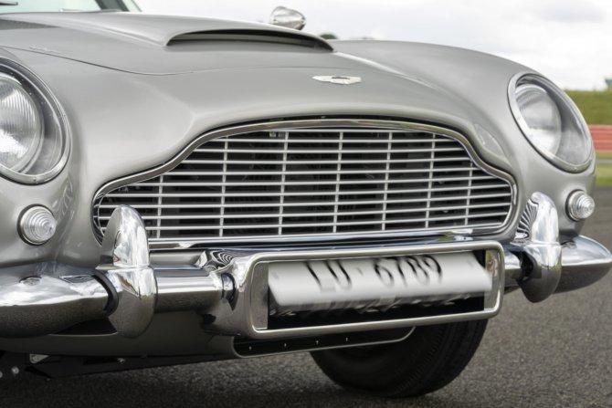Aston Martin DB5 Goldfinger - автомобиль Джеймса Бонда 27