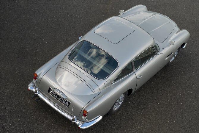 Aston Martin DB5 Goldfinger - автомобиль Джеймса Бонда 29