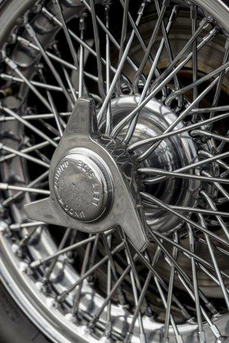 Aston Martin DB5 Goldfinger - автомобиль Джеймса Бонда 30