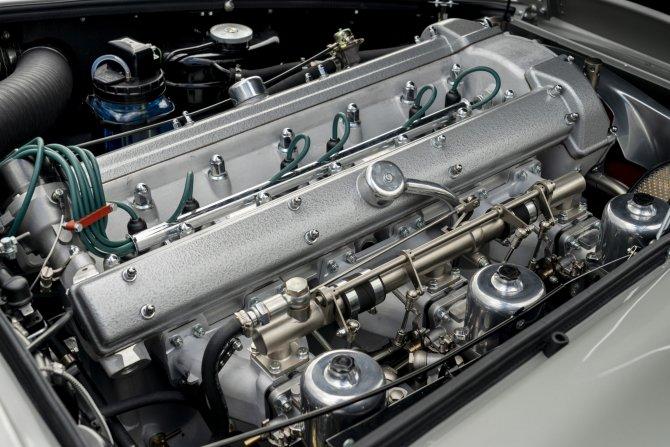 Aston Martin DB5 Goldfinger - автомобиль Джеймса Бонда 2