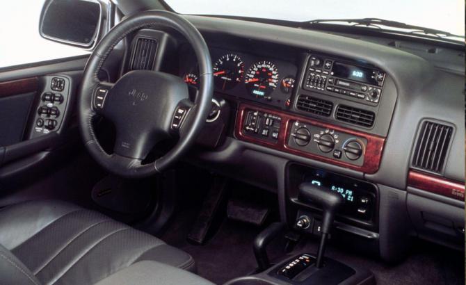 6 Салон Jeep Grand Cherokee (ZJ)
