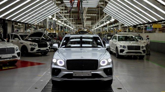 Обновлённый Bentley Bentayga встал наконвейер